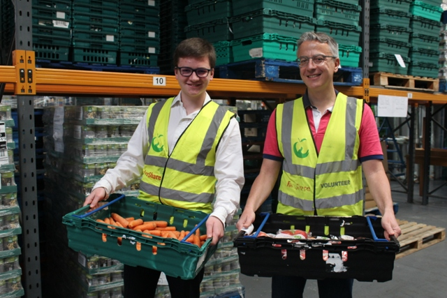 FareShare-volunteers-Ambroise-and-Fabrice