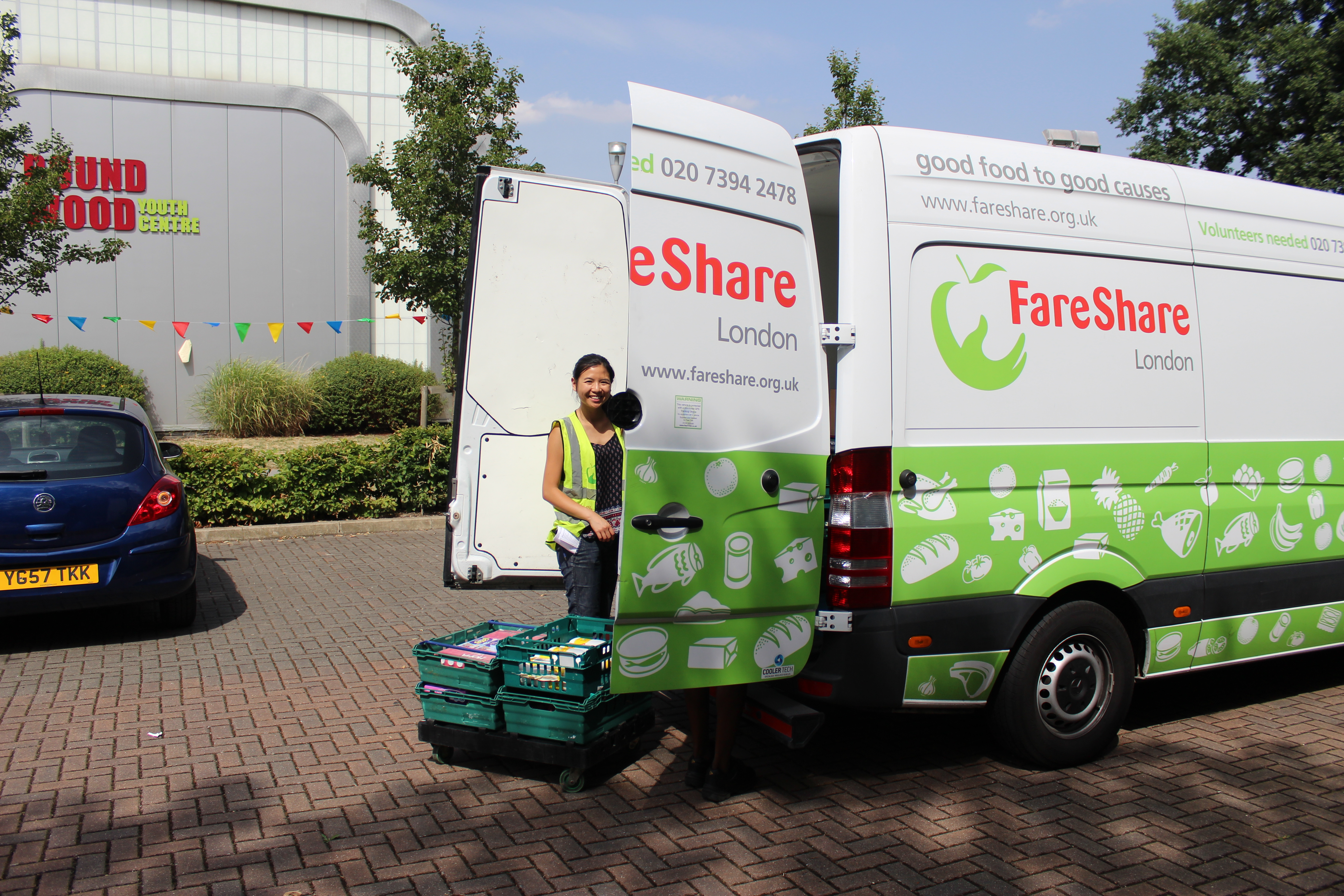 Unloading the FareShare van at Sport at the Heart